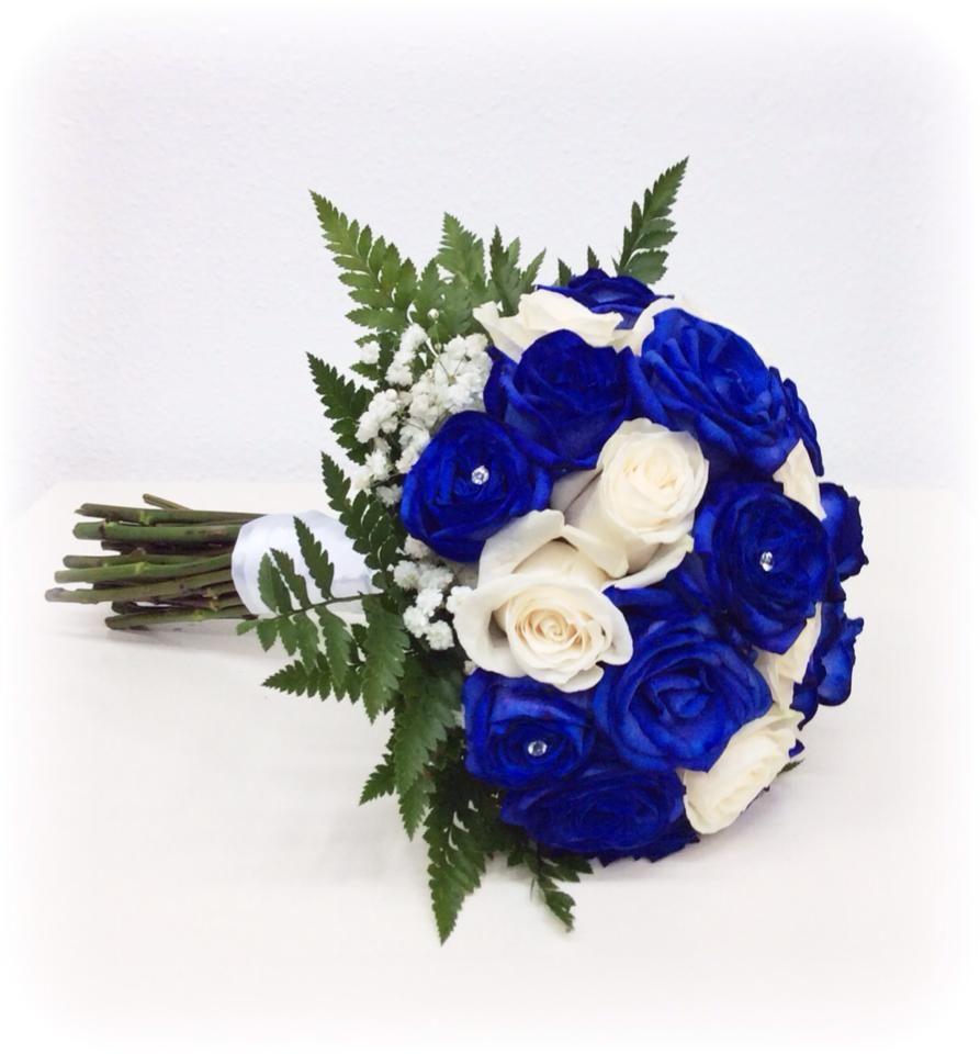 #weddingbouquet #blueroses #ramodenovia #rosasazules #floristeria #floristeriamadrid #floristeriavillaverde #novias2014 #bodas #wedding #eventplanner #weddingplanner #azul #organizaciondebodas