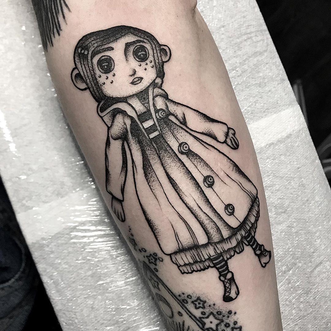 Pin By Opal Shanahan On Tattoo In 2020 Tattoos Doll Tattoo Coraline Tattoo