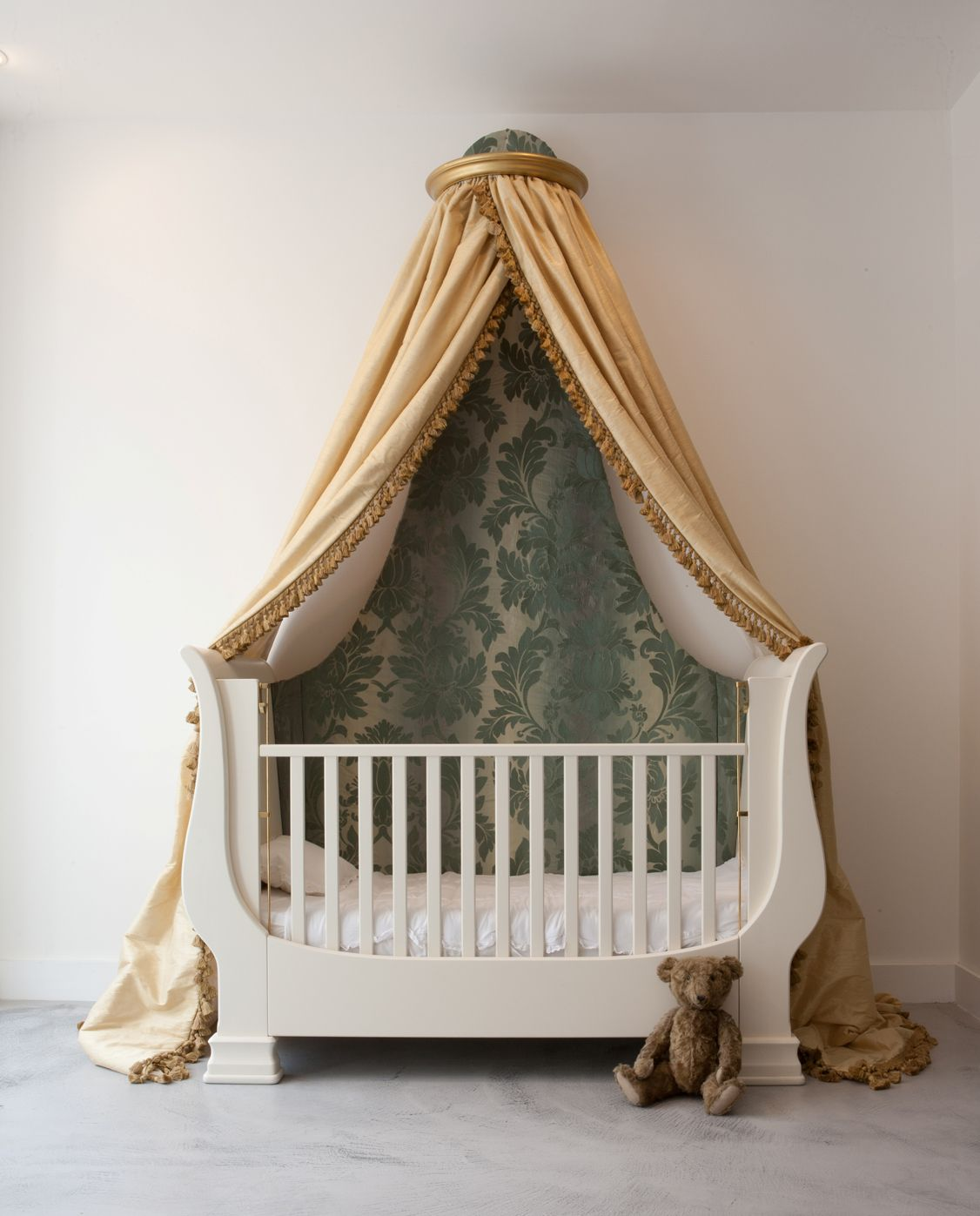 Simon Horn S Adaptable Cot Becomes A Bed And Then A Sofa As The