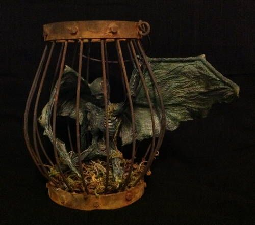 Forgotten Familiar - by Craftster RKEM. Love this for Halloween!