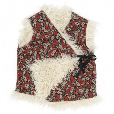 """Cache couer (Translates to """"hide the heart"""") - Vest with pattern of red flowers - Talc"""