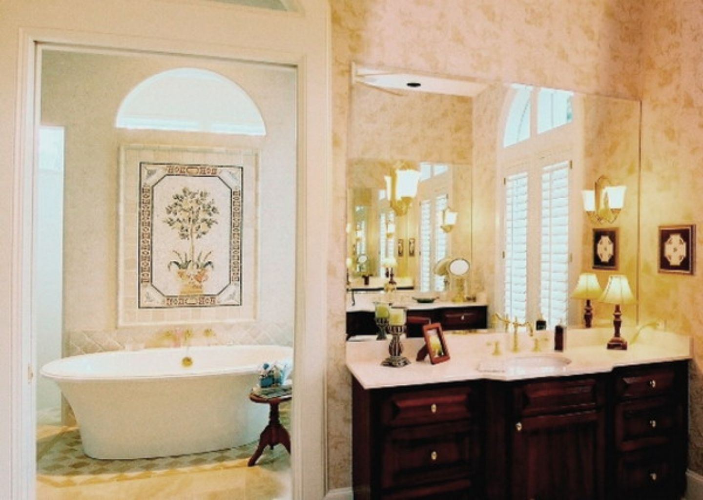 20 Beautiful Bathroom Wall Decor Ideas For