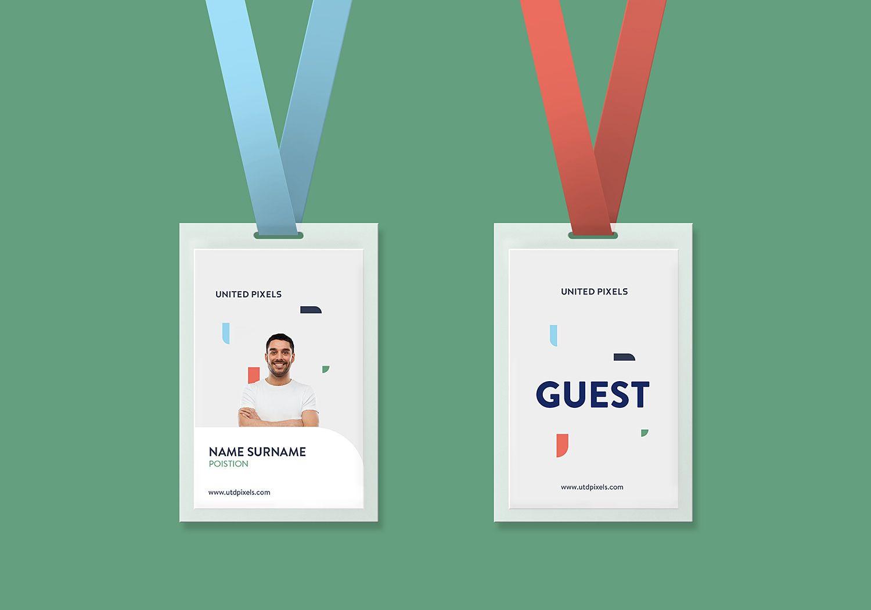 Free Id Card Holder Mockup Dengan Gambar Kartu Nama Desain