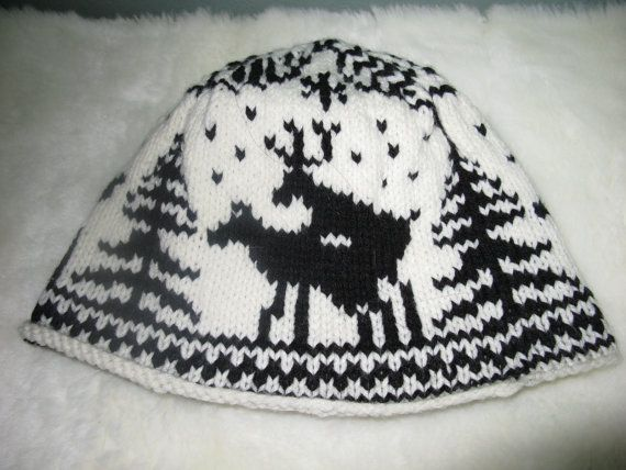 fornicating deer knit hat Every hunter wants one when they see it ... 1b6c0648858
