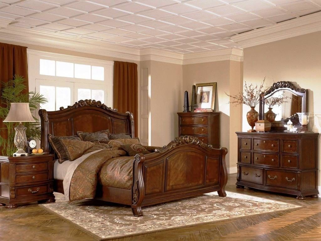 Broyhill Furniture Attic Heirlooms Eastern King Feather Bed In Natural Oak 4397 58sek Feather Broyhill Furniture Broyhill Bedroom Furniture Furniture