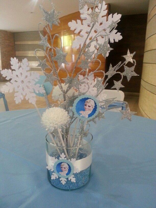 Centro de mesa frozen decoraciones y eventos pinterest for Centros de mesa de frozen