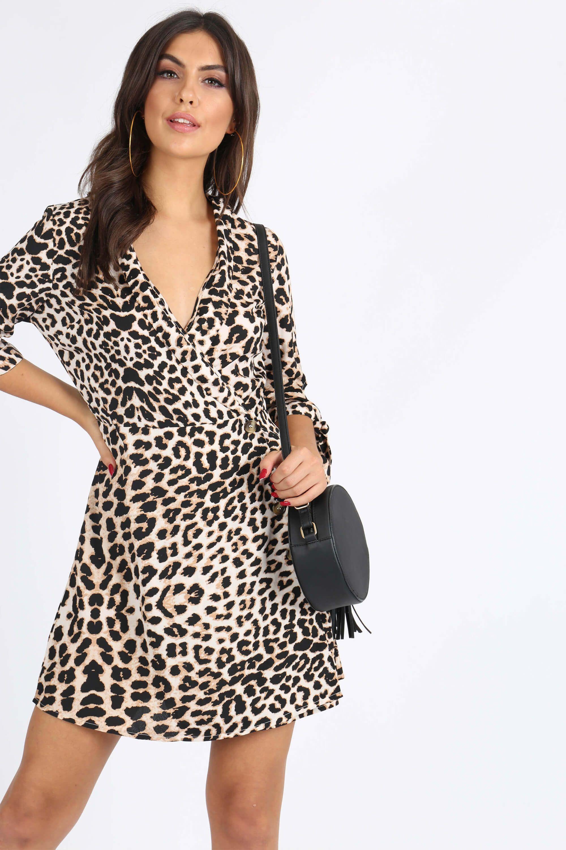 8b9ac2bf8277 Krátke šaty s leopardím vzorom a výstrihom do V - Rouzit.sk