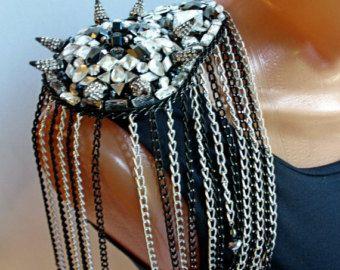 charretera hombro joya con cristales de por VilenaLenardo en Etsy