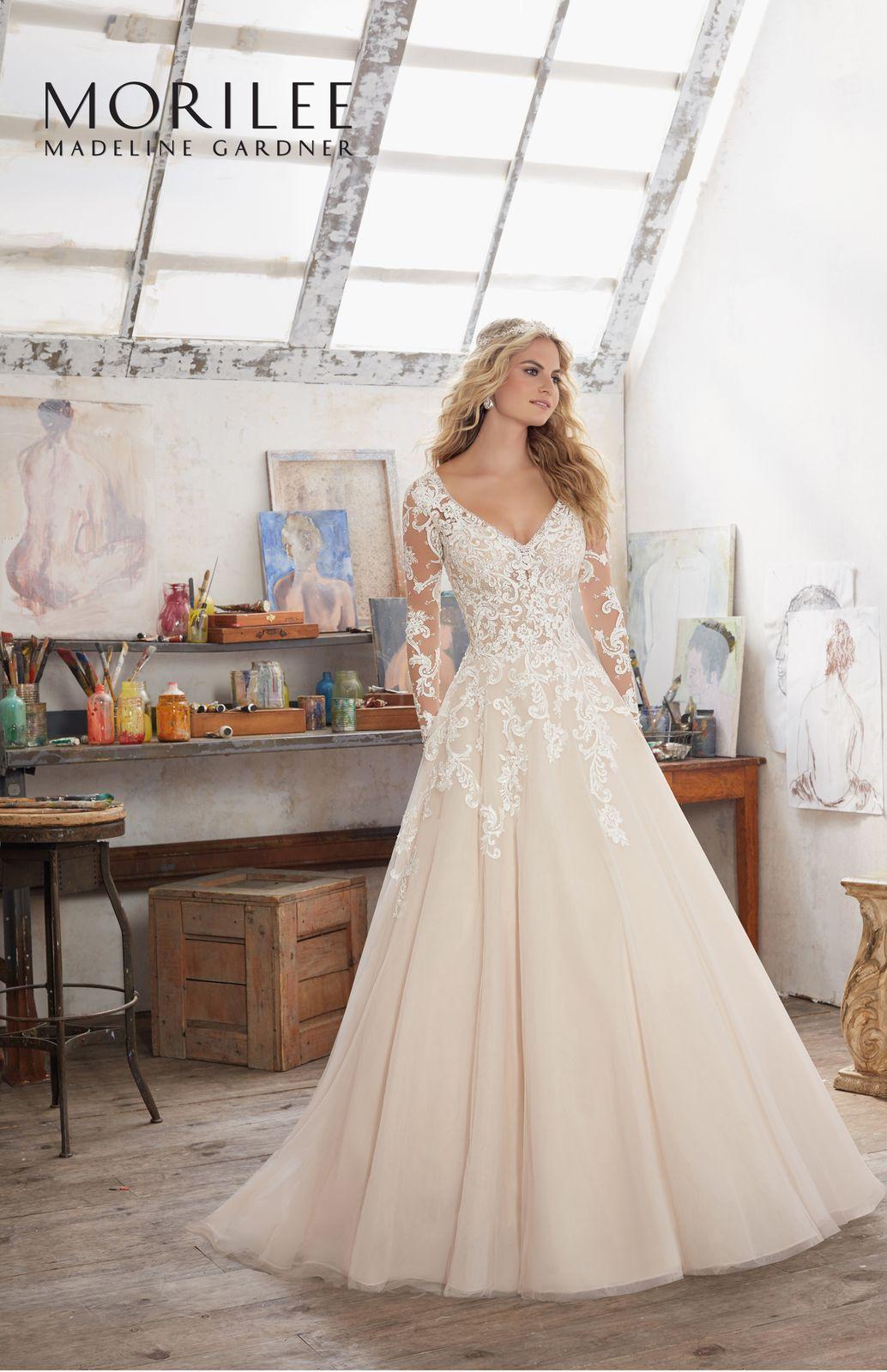 Elegancka Suknia Z Koronkowym Gorsetem Dlugi Rekaw I Spodnica Linii A Sukni Slubnej Mori Lee Wedding Dress Long Sleeve Mori Lee Wedding Dress Wedding Dresses