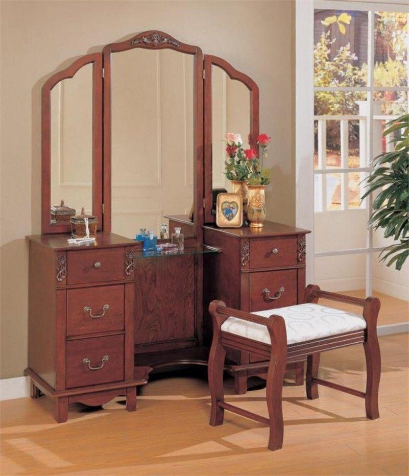 Warm brown veneer vanity set with three