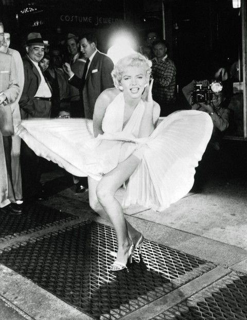 Norma Jeane Baker wäre am 1. Juni diesen Jahres 86 Jahre alt geworden. Eine Zahl die so gar nicht zu ihrer ewigen Jugend passen mag. Eine f... #hollywoodicons