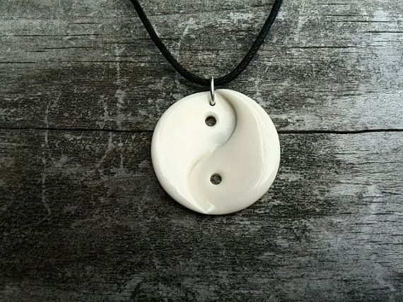 Yin and yang hand carved bone pendant por antipodart en etsy csont yin and yang hand carved bone pendant por antipodart en etsy aloadofball Gallery