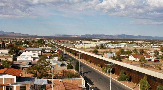 Illegal Immigration Into The Us Border Fence Between Agua Prieta