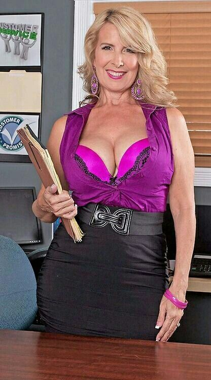 Plus Milfs Welcome The New Hot Mama Laura Layne