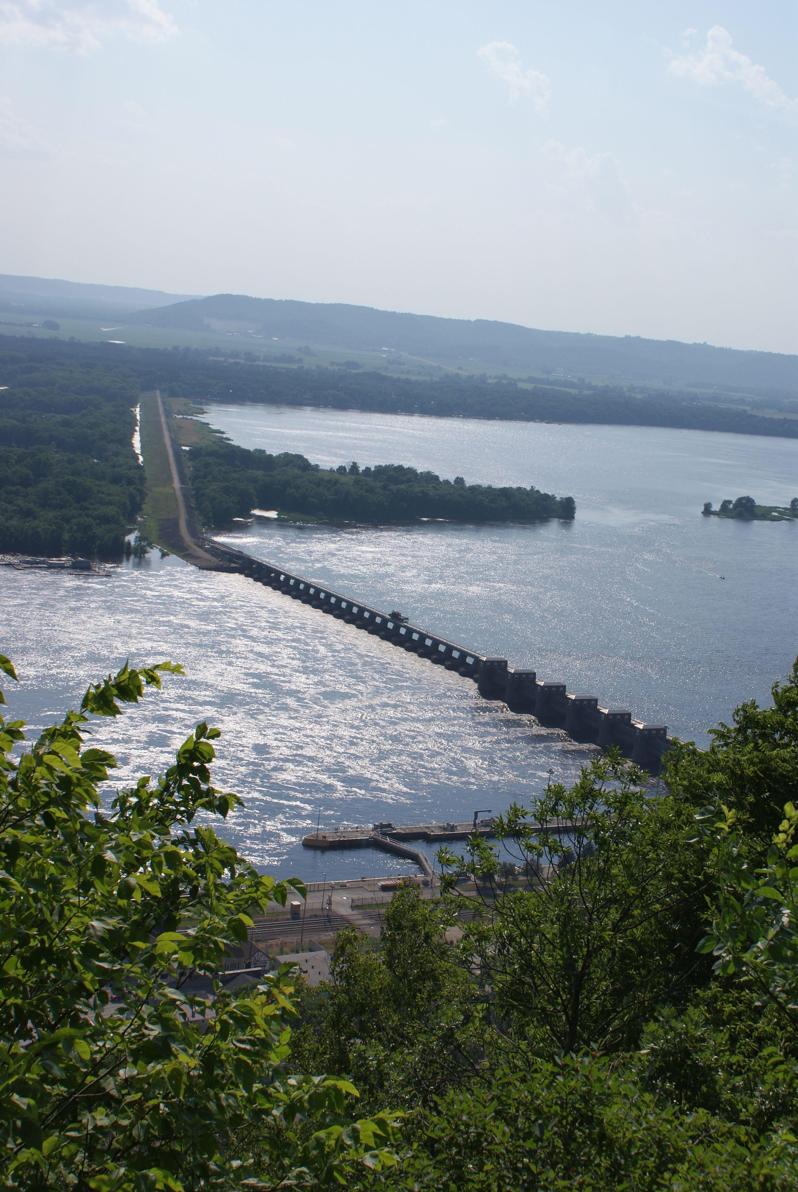 Mississippi River, Lock & Dam 4, Alma WI | #mississippiriver