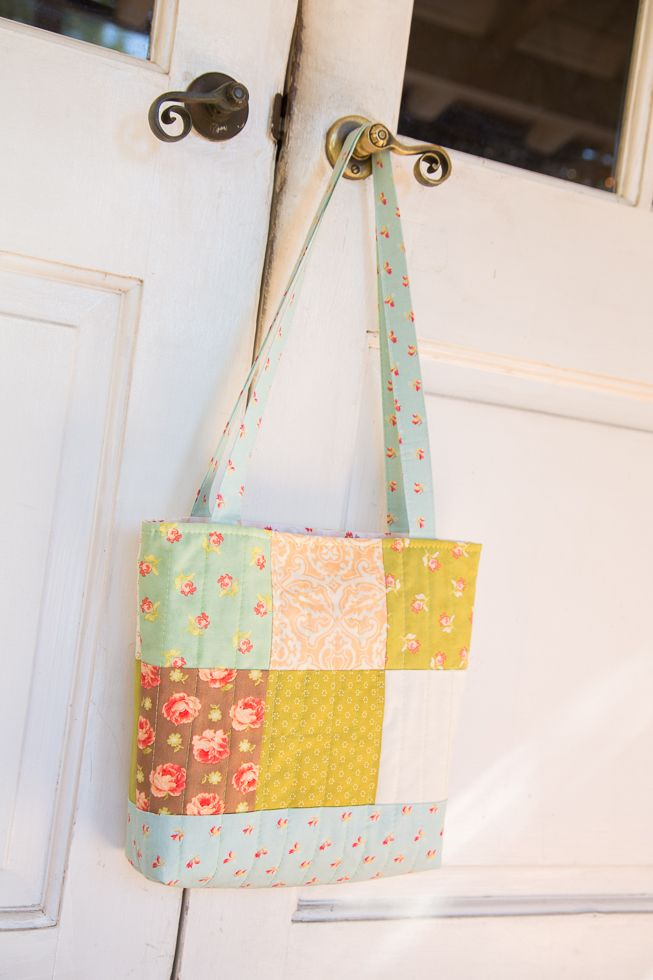 charm square patchwork sewing tutorial, free sewing pattern hand bag ...