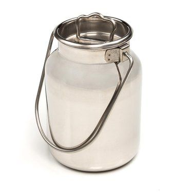 Shining 304 Grade Stainless Steel Lets You See When Cans Are Truly Clean Seamless So Cans Can T Collect Bacteria Solid Bai With Images Milk Cans Canning Milk
