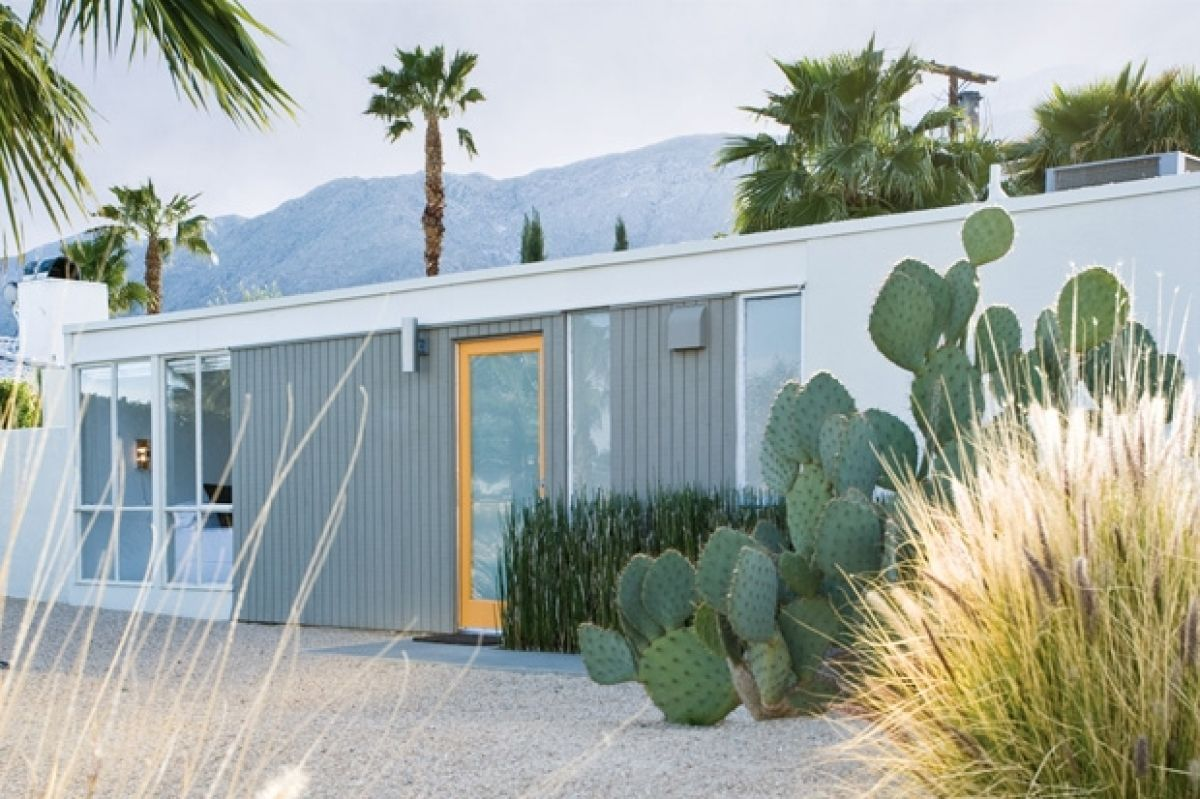 A Couple Remodels A Desert Home As A Retreat From The City | Palm ...