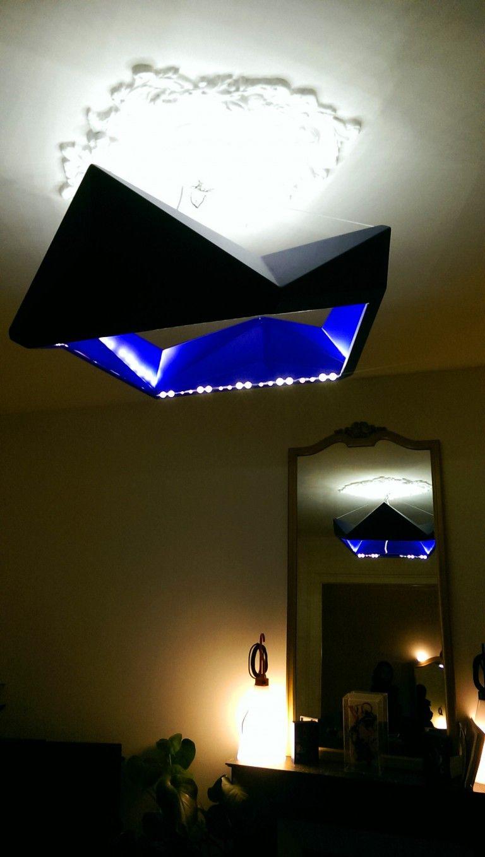 Suspension bleue  LED en acier peint Cette suspension apporte une