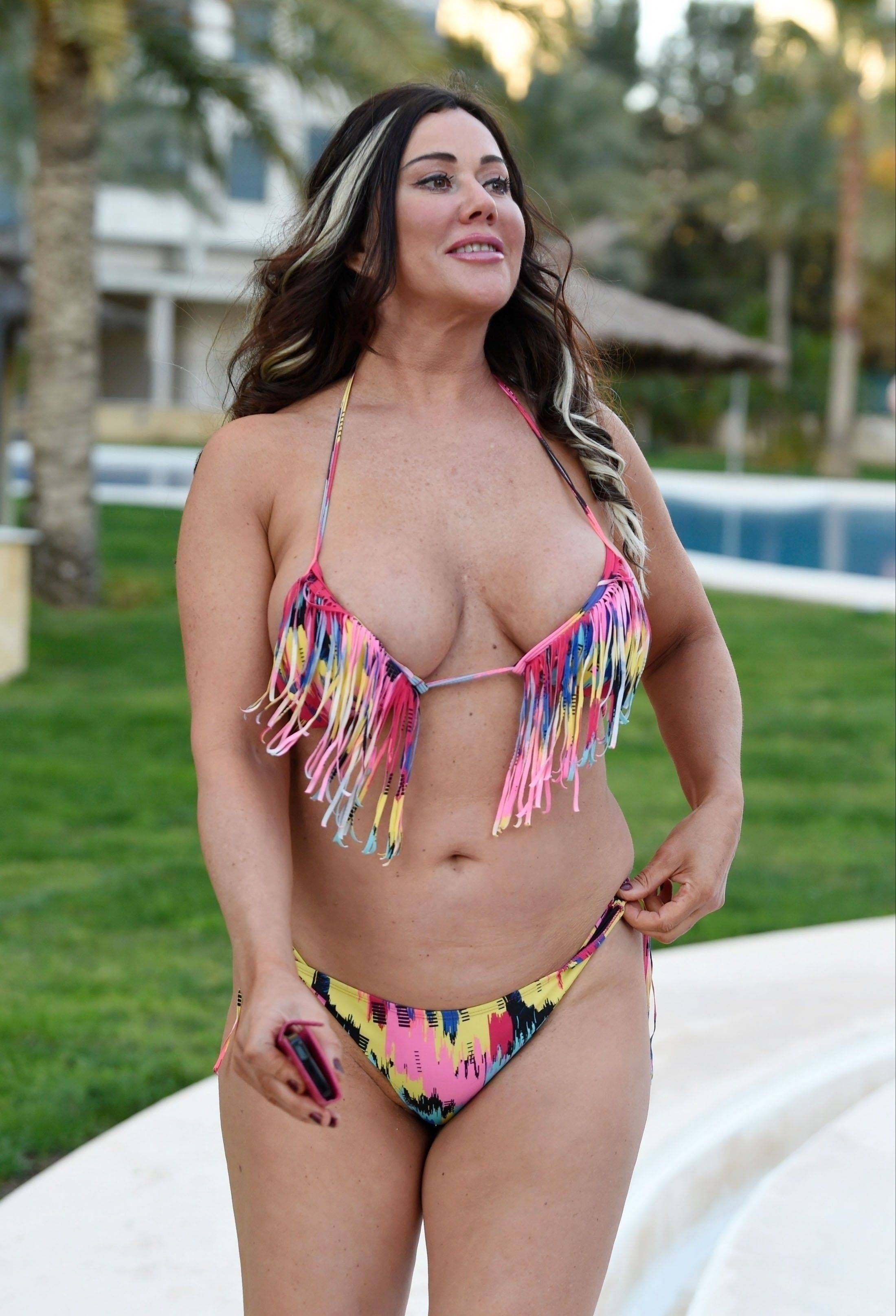 picture The hottest lisa appleton photos from the beach