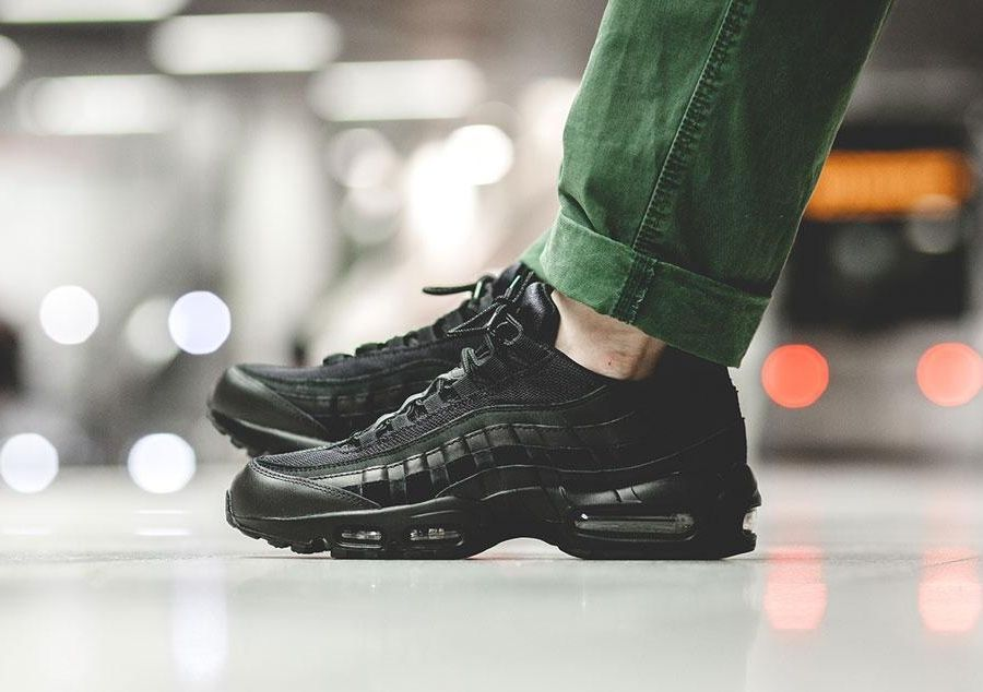 "a650f10e5a4 NIKE AIR MAX 95 ESSENTIAL ""ALL BLACK"""