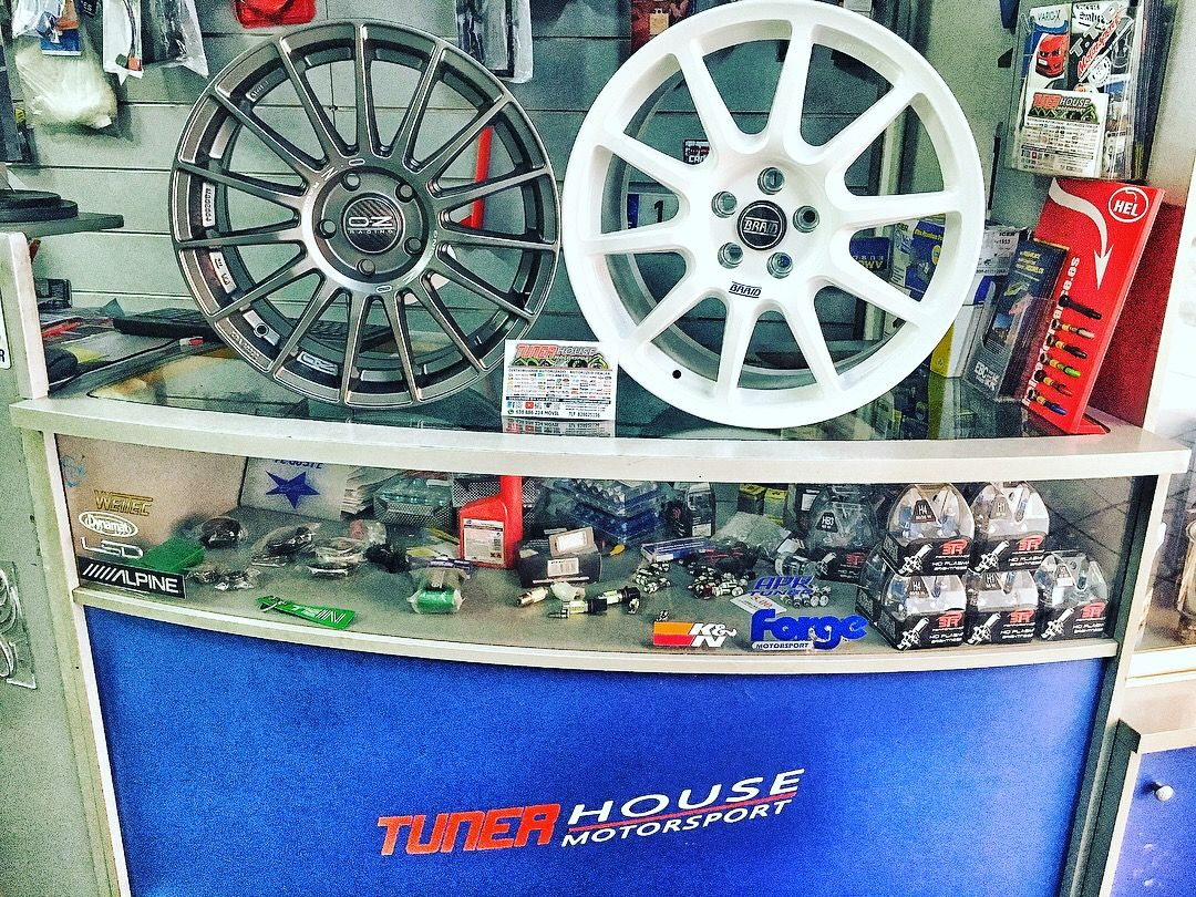 Find Your Racing Wheels Style In Tunerhouse Motorsport Car