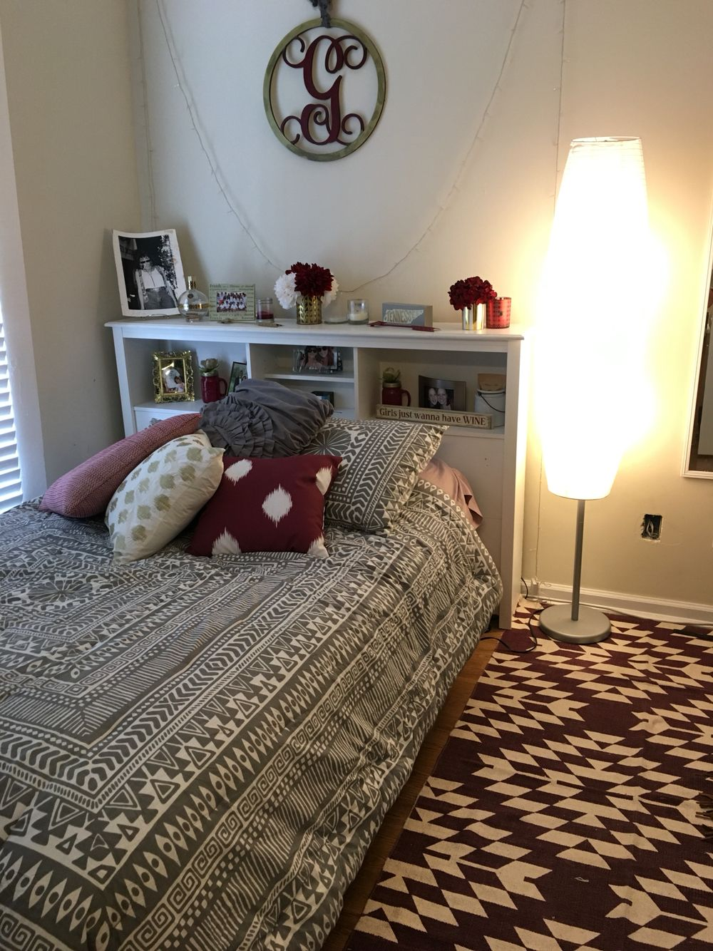 Maroon And Black Home Decor