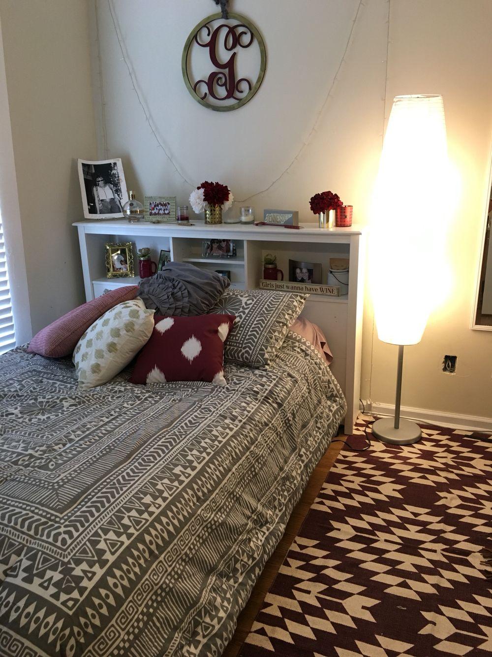 Best Maroon Gold And Gray Room Maroon Room Maroon Bedroom 640 x 480