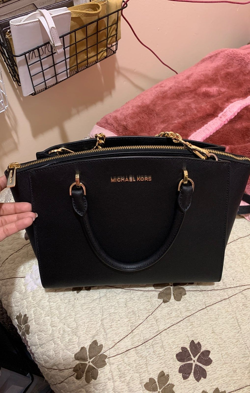 Mk Jet Black Ellis Large Satchel New With Tag Never Been Used The Longer Strap Is Removable This Is Such A Handbags Michael Kors Purses Michael Kors Purses