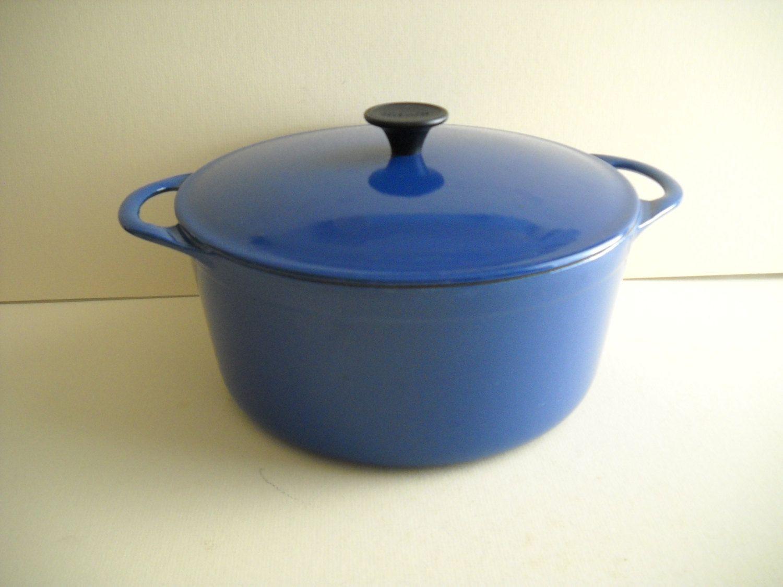 vintage cousances cast iron enamel stock pot dutch oven 24 blue enamel 4 1 2 quart pot vintage. Black Bedroom Furniture Sets. Home Design Ideas
