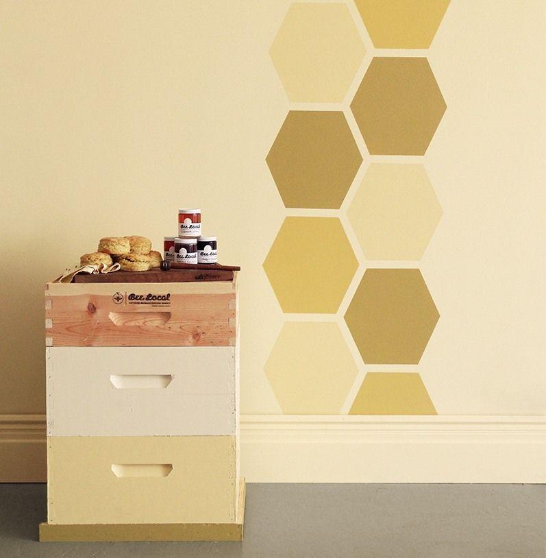 Wandgestaltung mit Farbe- geometrische Motive streichen - küche tapezieren oder streichen