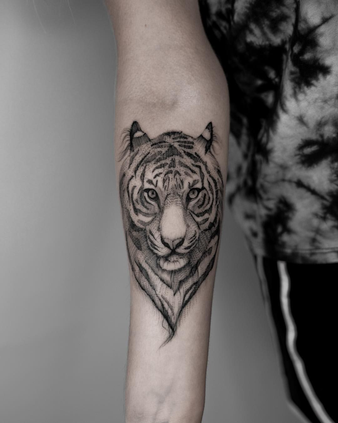 Rawr Tiger Tattoo Cute Delicate Feminine Tattoos Flowers And Florals Animal Tattoo Drawings An Delicate Feminine Tattoos Feminine Tattoos Fine Line Tattoos