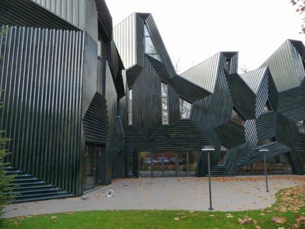Moderne Hausfassaden mit erstaunlichem Plissee-Effekt | Moderne ...