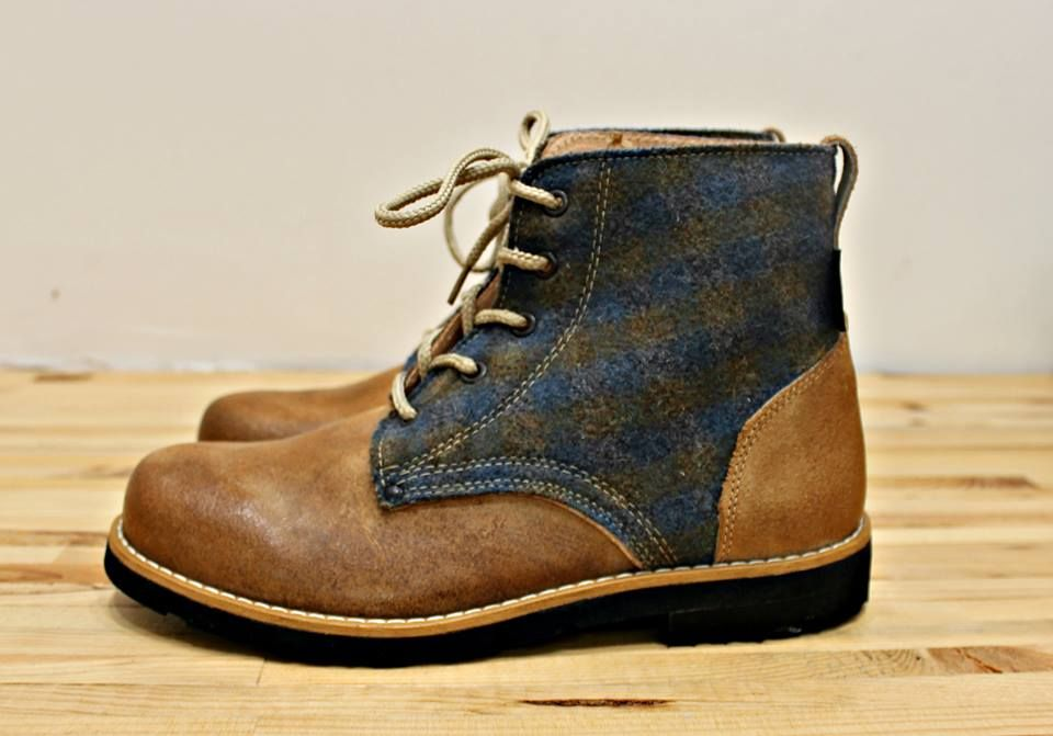 Leather and Burel Boots. Fashion twist, confy design. | coisas | Pinterest  | Green boots, Leather and Fashion