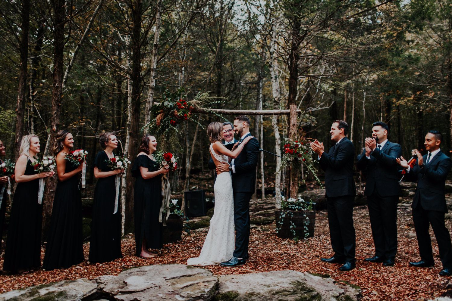 Spring, Summer or Fall, a wedding in the forest is a treat ...