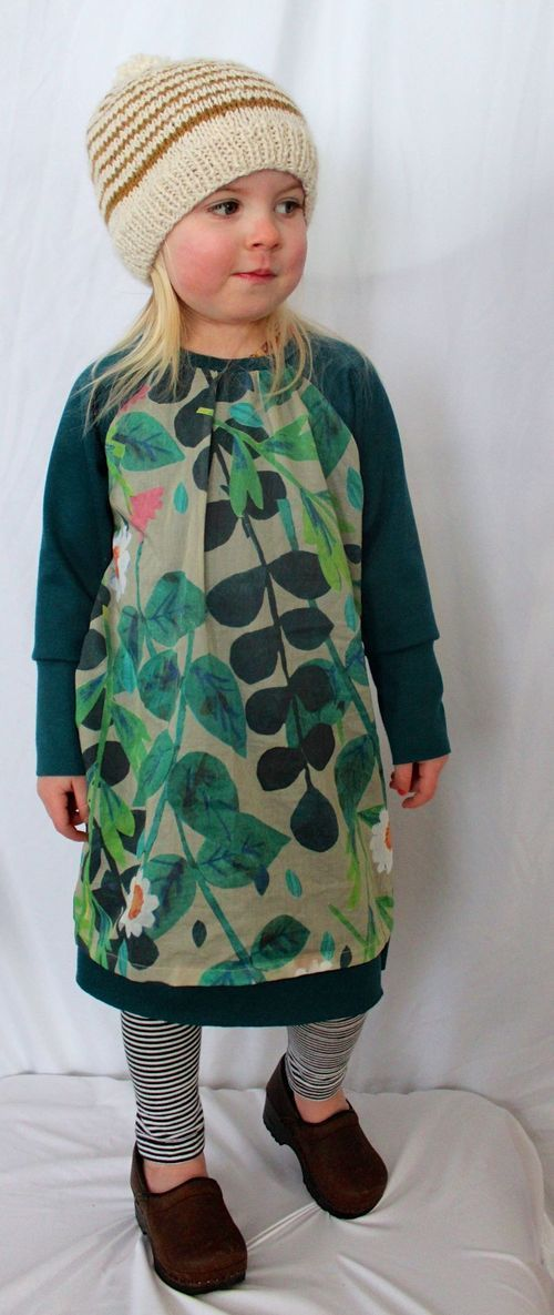 Recess raglan as dress