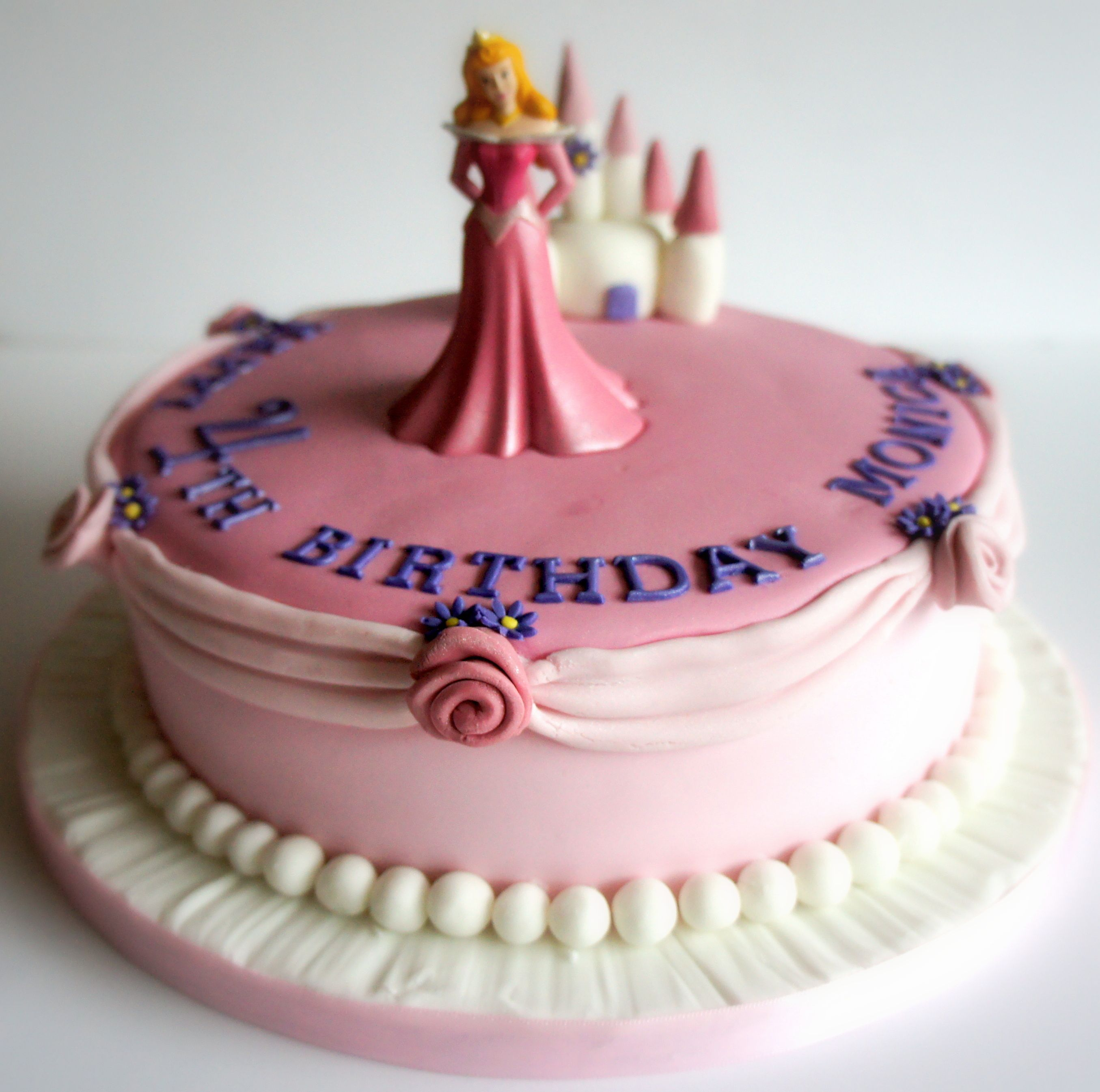 Sleepingbeauty Cake Www Byjojo Co Uk With Images Sleeping