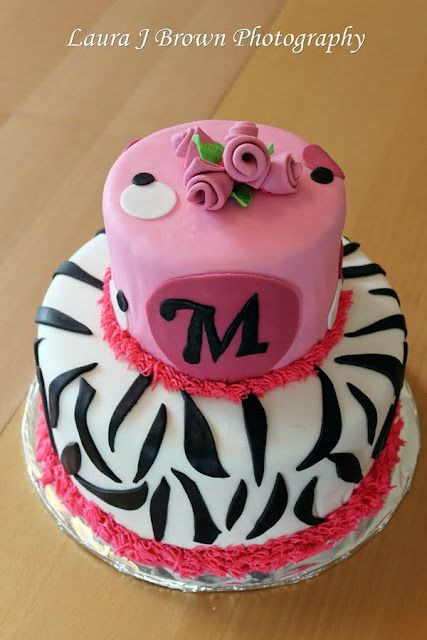 A cute cake for a 12 year old girl Cake Decorating ...