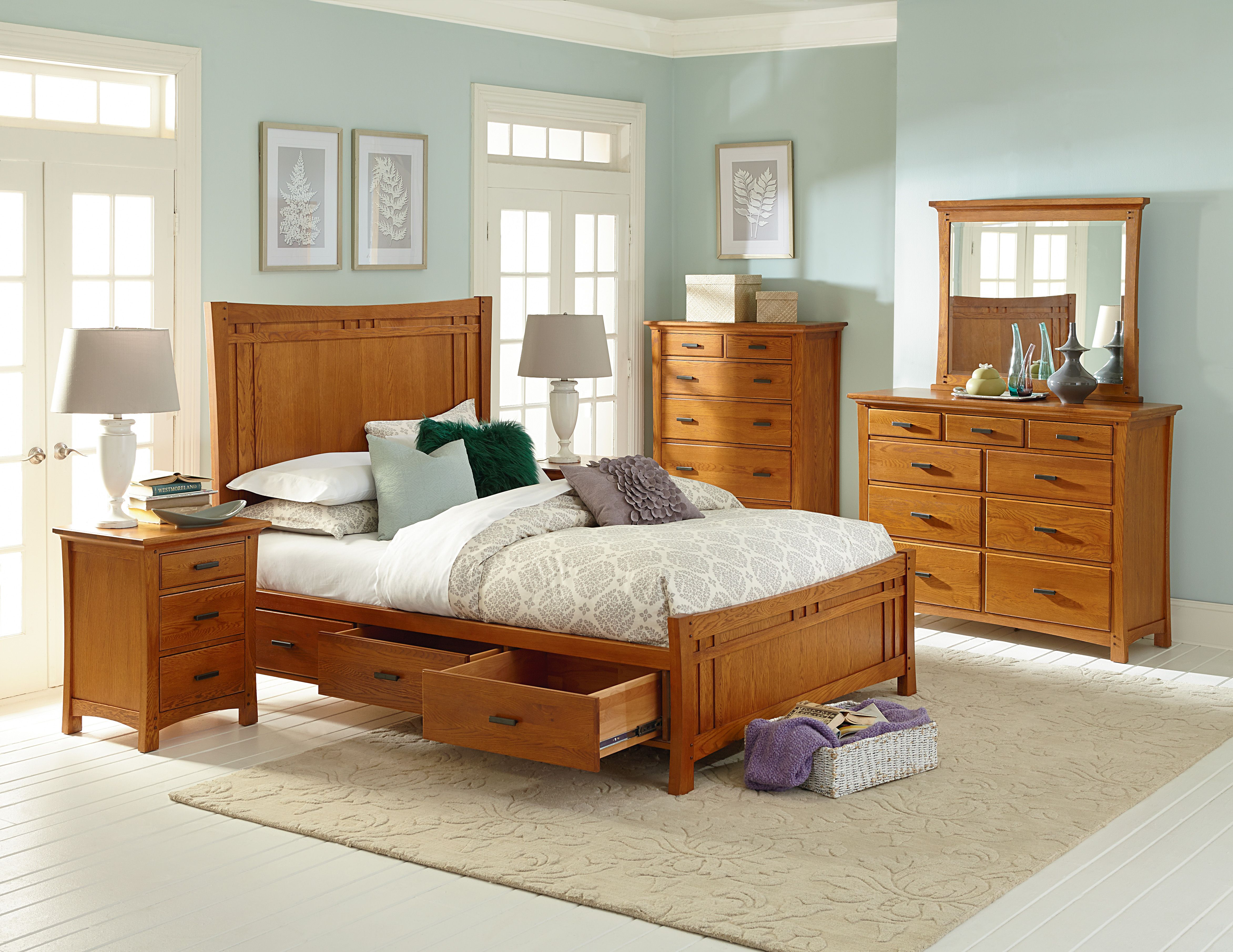 Luxurious Heritage Bedroom Collection That Will Be Treasured For Years To Come Solidwood Bedroom Furniture Modern Bedroom Furniture Wood Bedroom Sets