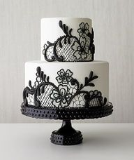black white wedding cake,