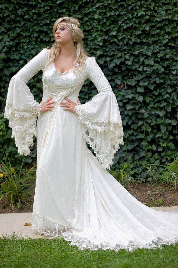 Victoria Velvet and Lace Medieval Wedding Gown by RomanticThreads ...
