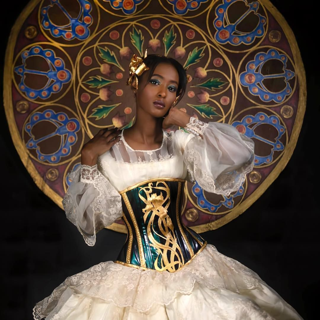 After Alphonse Mucha Part Of An Art Nouveau Set We Did For Faeriemagazine Corset Wilde Hunt Corsetry Dress Vintage Fr Vintage Dresses Black Queen Corsetry [ 1080 x 1080 Pixel ]