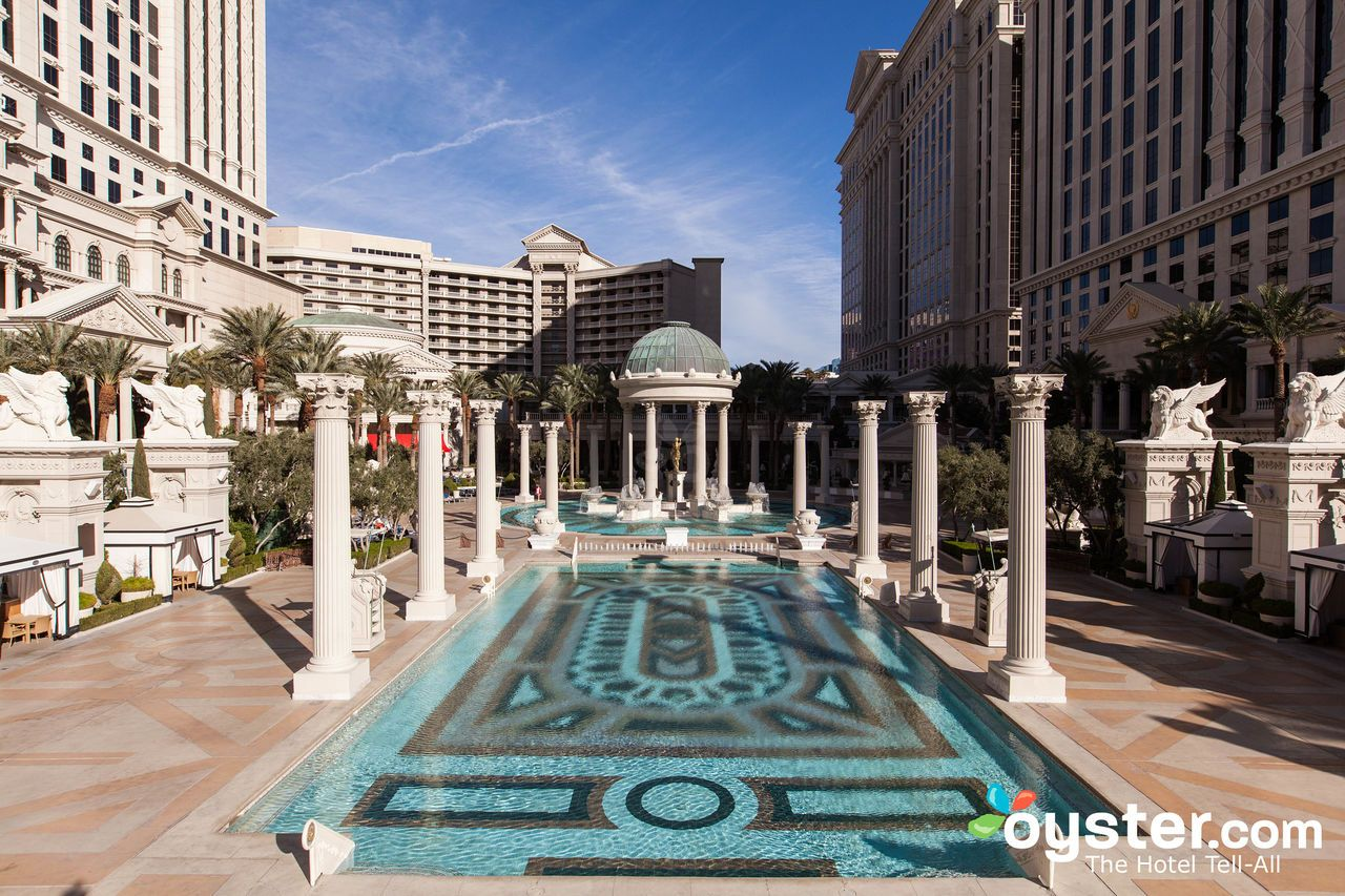 The 12 Best Value Hotels In The Strip Las Vegas Las Vegas Hotels Caesars Palace Palace Hotel