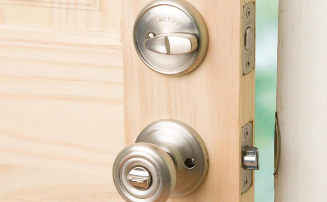Best Door Knob Jig | http://retrocomputinggeek.com | Pinterest ...