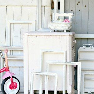 http://petticoatjunktion.com/painted-furniture/distressing-painted-furniture-home-decor/