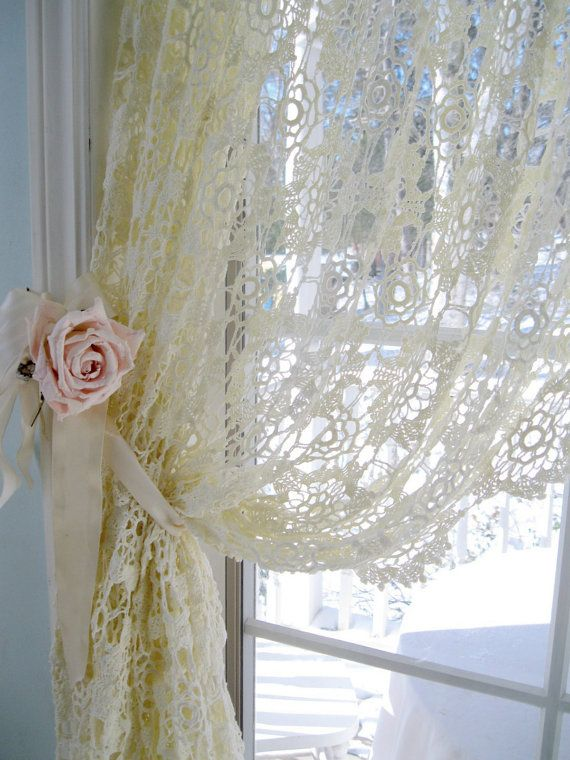 Delicate Crochet Tablecloth Cream by mailordervintage on Etsy ...