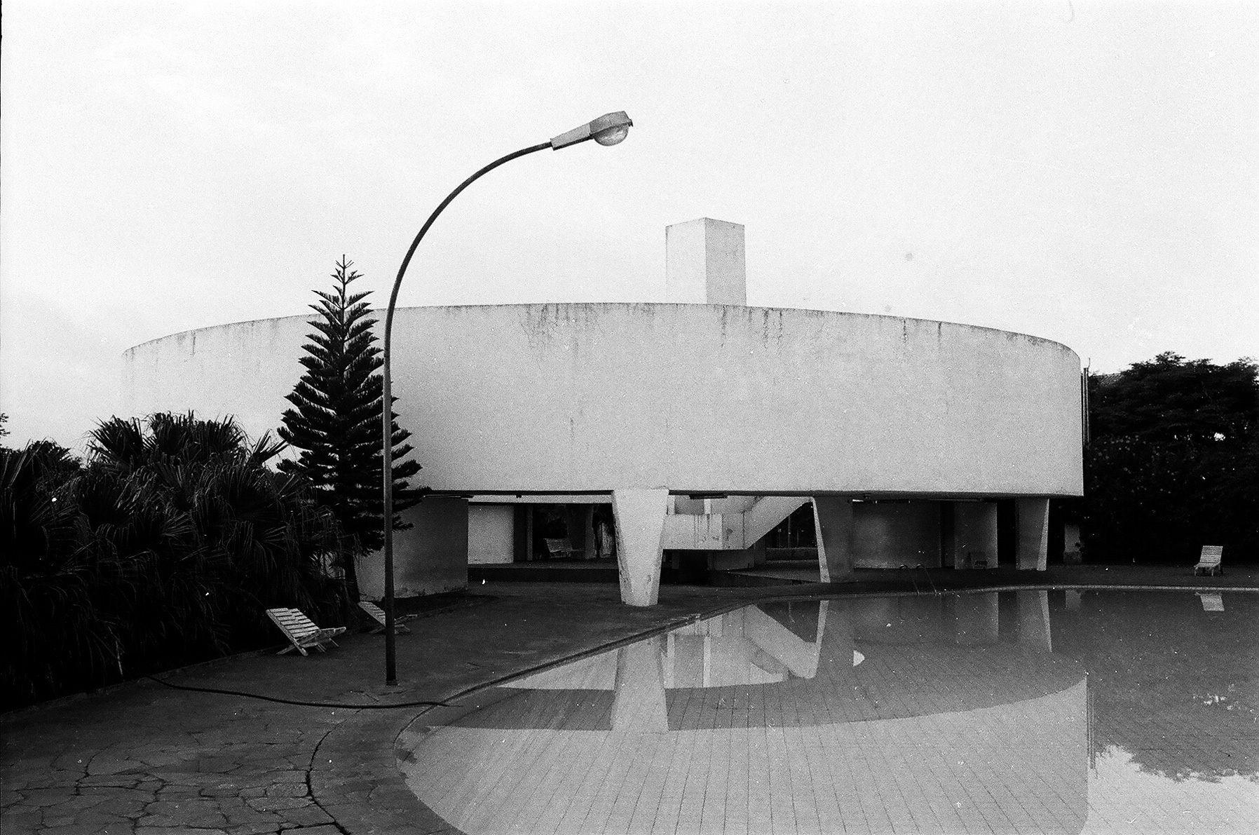 joão batista vilanova artigas 1915-1985   cronologia de vida e obra