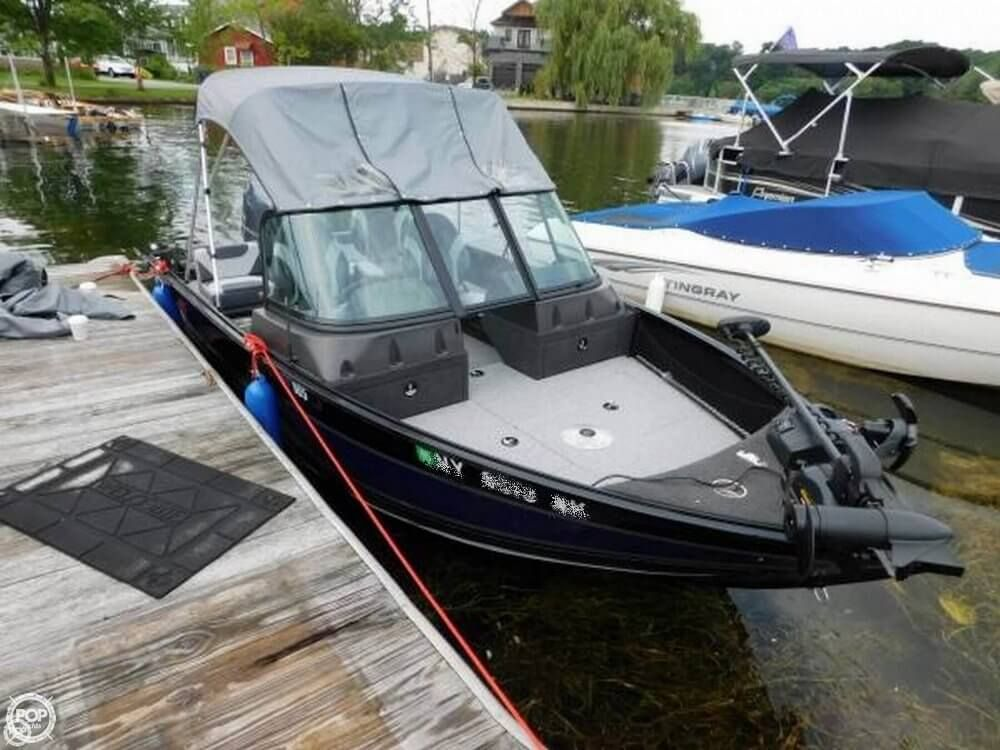 Immaculate Condition Bow Mounted Electric Anchor Huge Aft Fishing Deck Or Use Aft For Comfort Fishing Boats For Sale Aluminum Fishing Boats Boats For Sale