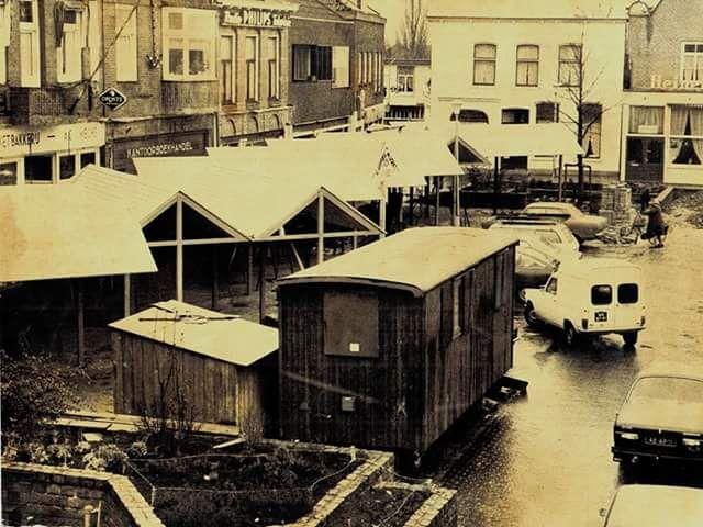 De oude luifelmarkt