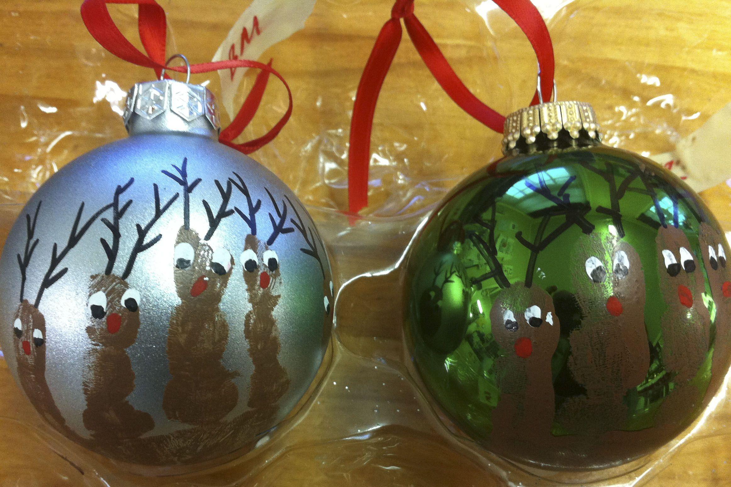 Ca Pre K Reindeer Handprint Ornament Started In 2011 Family Christmas Ornaments Christmas Ornaments Homemade Preschool Christmas